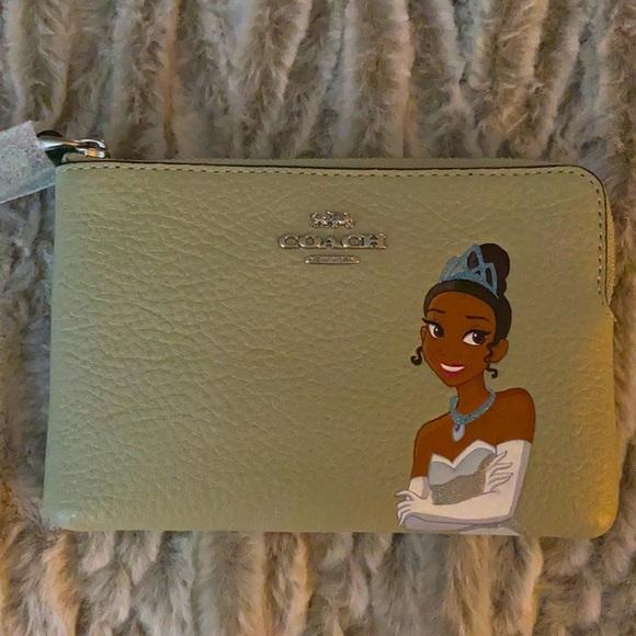 NWT Coach Disney Tiana wristlet/ card holder